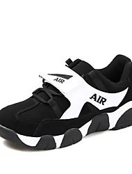 baratos -Mulheres Sapatos Couro Ecológico Outono Conforto Tênis Corrida Sem Salto Dedo Fechado para Atlético Branco / Preto