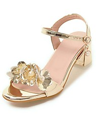 preiswerte -Damen Schuhe Lackleder / Kunstleder Frühling Sommer Pumps Sandalen Blockabsatz Offene Spitze Perle / Schnalle Gold / Silber / Rosa