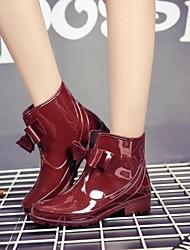 baratos -Mulheres Sapatos Pele PVC Outono Botas de Chuva Botas Sem Salto Preto / Amêndoa / Vinho