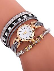 Недорогие -Xu™ Жен. Часы-браслет Наручные часы обернуть часы Кварцевый Стеганная ПУ кожа Черный / Белый / Синий Творчество Повседневные часы обожаемый Аналоговый Дамы Богемные Мода - Коричневый Красный Синий