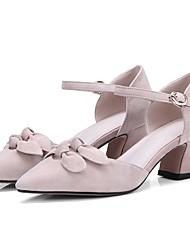 baratos -Mulheres Sapatos Camurça Verão Conforto Saltos Salto de bloco Dedo Apontado Laço / Presilha Preto / Rosa claro / Amêndoa / Festas & Noite