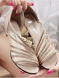 povoljno -Žene Cipele PU Ljeto Udobne cipele Sandale Wedge Heel Otvoreno toe Šljokice Zlato / Crvena / Srebro