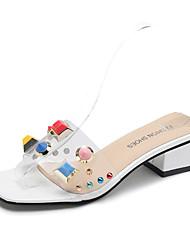 economico -Per donna Scarpe PU (Poliuretano) Estate Con cinghia Sandali Footing Heel di blocco Punta tonda Borchie Bianco / Nero