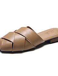 baratos -Mulheres Sapatos Couro Primavera Verão Conforto Sandálias Salto Baixo Branco / Preto / Khaki / Festas & Noite