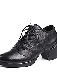 baratos -Mulheres Sapatos de Dança Moderna Pele Napa Salto Salto Grosso Personalizável Sapatos de Dança Branco / Preto / Vermelho