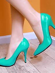 Недорогие -Жен. Лакированная кожа Весна Удобная обувь Обувь на каблуках На шпильке Красный / Зеленый / Синий / Повседневные
