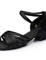 baratos -Mulheres Sapatos de Dança Latina Cetim Sandália / Salto Recortes Salto Grosso Personalizável Sapatos de Dança Preto