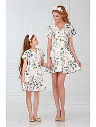 Недорогие -Дети / Дети (1-4 лет) Мама и я Цветочный принт / Контрастных цветов С короткими рукавами Комбинезон