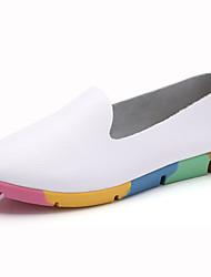 Недорогие -Жен. Обувь Кожа Весна лето Удобная обувь Мокасины и Свитер На плоской подошве Круглый носок Пряжки Белый / Черный / Желтый