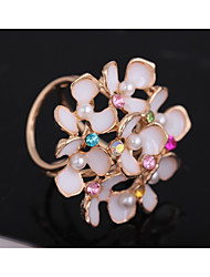 cheap -Women's Cut Out Brooches - Imitation Pearl Flower Sweet, Fashion Brooch White / Red For Party / Date