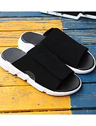Недорогие -Муж. Комфортная обувь Искусственная кожа Весна На каждый день Тапочки и Шлепанцы Белый / Черный / Черно-белый