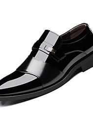 Недорогие -Муж. Полиуретан Весна Формальная обувь Мокасины и Свитер Черный / Коричневый
