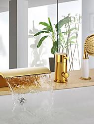 Недорогие -Смеситель для ванны - Профессиональный / Фиксированный Ti-PVD Ванна и душ Керамический клапан Bath Shower Mixer Taps / Три ручки Три отверстия