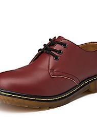 Недорогие -Жен. Комфортная обувь Кожа Наступила зима Классика / На каждый день Туфли на шнуровке На плоской подошве Круглый носок Черный / Коричневый / Винный