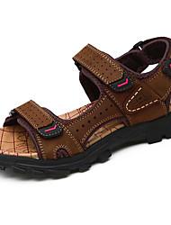 Недорогие -Муж. Комфортная обувь Кожа Лето На каждый день Сандалии Дышащий Коричневый