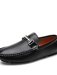 baratos -Homens Sapatos Confortáveis Pele Primavera Verão Clássico Mocassins e Slip-Ons Respirável Branco / Preto