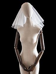 baratos -Quatro Camadas Amantes / Inspiração Vintage Véus de Noiva Véu Ombro com Adorno Tule