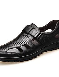 baratos -Homens Sapatos Confortáveis Pele Napa Verão Sandálias Preto / Marron