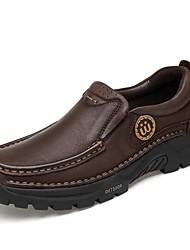 baratos -Homens Sapatos Confortáveis Pele Napa Outono & inverno Clássico / Vintage Tênis Absorção de choque Preto / Castanho Escuro
