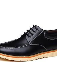baratos -Homens Sapatos Confortáveis Couro Outono & inverno Oxfords Preto / Amarelo / Marron