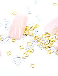 halpa -Metalli Nail Jewelry Käyttötarkoitus Sormen kynsi Varpaan kynsi Kiiltävä / Minityyli / 3D-liitäntä Korusarjat Romanttinen sarja Viestisarja kynsitaide Manikyyri Pedikyyri Yksinkertainen / Geometrinen