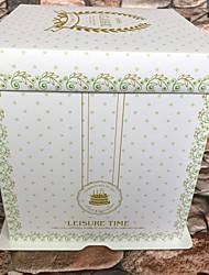 Недорогие -Кубический Картон Фавор держатель с Вышивка бисером в виде цветов Упаковка и коробки для кексов / Подарочные коробки - 1 шт.