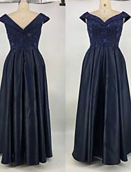 Недорогие -А-силуэт V-образный вырез В пол Сатин Платье с Вышивка от TS Couture®