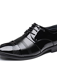 baratos -Homens Sapatos formais Microfibra Primavera / Outono Formais Oxfords Não escorregar Preto / Festas & Noite