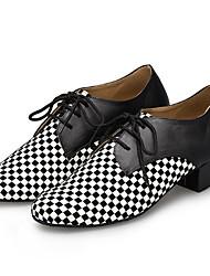 olcso -Férfi Modern cipők Bőr Félcipő Vastag sarok Dance Shoes Fekete / Fehér