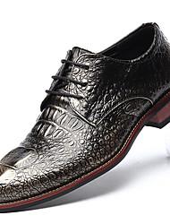 abordables -Homme Chaussures Formal Microfibre / Polyuréthane Printemps été Oxfords Dorée / Noir / Rouge / Soirée & Evénement