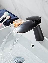Недорогие -Смеситель - Водопад черный По центру Одной ручкой одно отверстиеBath Taps