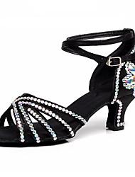 Недорогие -Жен. Танцевальная обувь Сатин Обувь для латины Пряжки / Кристаллы / Crystal / Rhinestone На каблуках Кубинский каблук Черный / Белый / Коричневый / Выступление