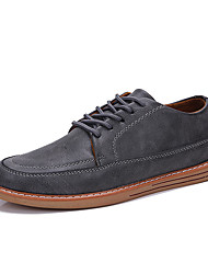 baratos -Homens Sapatos Confortáveis Couro Ecológico Outono Casual Oxfords Não escorregar Preto / Marron / Cinzento