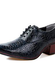 baratos -Homens Sapatos de couro Couro Ecológico Outono Oxfords Preto / Vinho / Branco