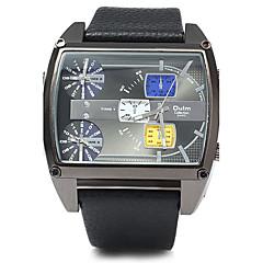 Oulm 男性用 軍用腕時計 クォーツ 日本産クォーツ 3タイムゾーン レザー バンド ぜいたく クール ブラック ブラウン