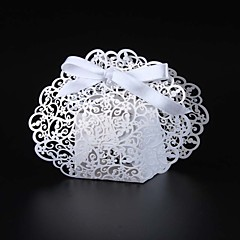 50pcs Laser Cut Flower Wedding Favor Box Candy Box Gift Box Wedding Party Supplies