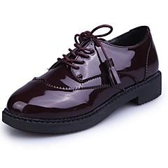 Mulheres Sapatos Couro Envernizado Outono Conforto Oxfords Sem Salto Ponta Redonda Mocassim Preto / Vinho