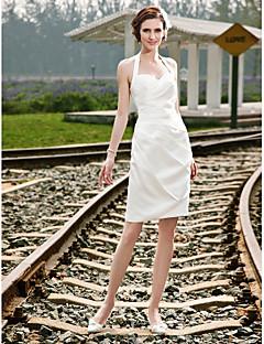 billiga Åtsmitande brudklänningar-Åtsmitande Halterneck Kort / mini Satäng Bröllopsklänningar tillverkade med Sidodraperad av LAN TING BRIDE® / Liten vit klänning