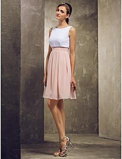 tanie Romantyczny róż-Krój A Bateau Neck Krótka / Mini Szyfon Sukienka dla druhny z Plisy przez LAN TING BRIDE®