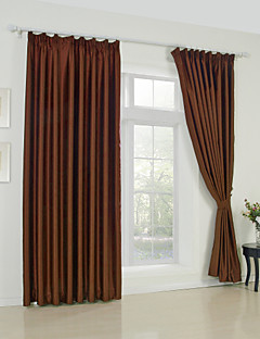 billige Mørkleggingsgardiner-Stanglomme Propp Topp Fane Top Dobbelt Plissert To paneler Window Treatment Moderne Ensfarget Stue Polyester Materiale Blackout Gardiner