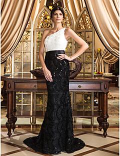 Syrena Na jedno ramię Tren w stylu sądowym Koronka Kolacja oficjalna Sukienka z Kwiaty Koronka przez TS Couture®