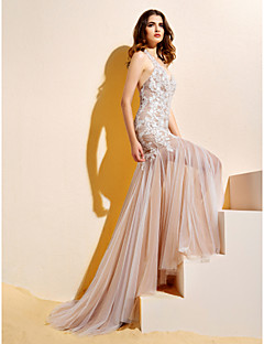 billiga Trumpet-/sjöjungfrubrudklänningar-Trumpet / sjöjungfru Halterneck Hovsläp Spets / Tyll Bröllopsklänningar tillverkade med Applikationsbroderi av LAN TING BRIDE®