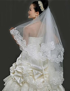 One-tier Lace Applique Edge Wedding Veil Fingertip Veils With 59.06 in (150cm) Tulle