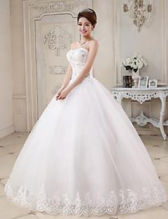 billiga Balbrudklänningar-Balklänning Hjärtformad urringning Golvlång Tyll Bröllopsklänningar tillverkade med Bård / Applikationsbroderi av
