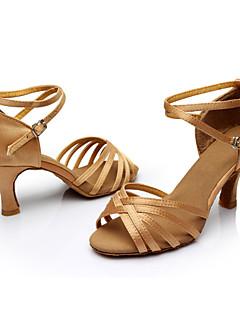 Χαμηλού Κόστους -Γυναικεία Παπούτσια χορού λάτιν / Αίθουσα χορού Μετάξι Πέδιλα / Αθλητικά Αγκράφα / Κορδέλα Προσαρμοσμένο τακούνι Εξατομικευμένο Παπούτσια