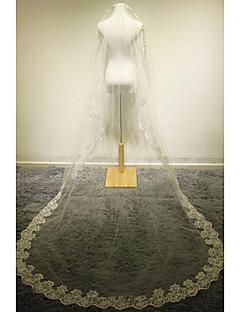 preiswerte Hochzeitsschleier-Einschichtig Spitzen-Saum Hochzeitsschleier Kathedralen Schleier Mit Applikationen Spitze Tüll