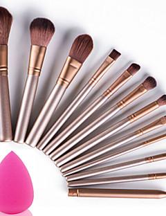 パウダースポンジ専門の柔らかい化粧キットのメイクアップアーティストで設定された12個の化粧ブラシ