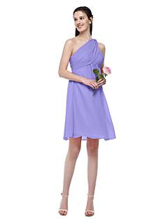 tanie Romantyczny róż-Krój A Na jedno ramię Do kolan Szyfon Sukienka dla druhny z Plisy przez LAN TING BRIDE®