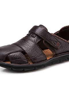 hesapli -Erkek Ayakkabı Nappa Leather Yaz / Sonbahar Rahat Sandaletler Rahat Kır Ayakkabıları Günlük / Dış mekan / Elbise için Kahve