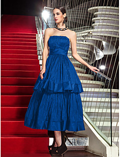 billiga Kändisklänningar-A-linje Axelbandslös Telång Taft Den lilla svarta Bal / Formell kväll Klänning med Plisserat av TS Couture®